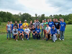 Anamosa Football Team volunteers with Jones County Volunteer Center